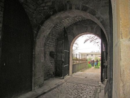 Fort-Benoit_03-Entrée-450.jpg