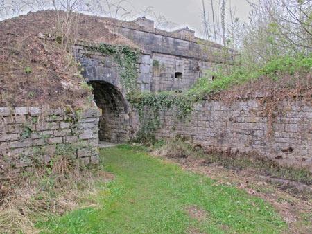 Fort-Benoit_18-sortie-d'un-cheminement-protégé-450.jpg