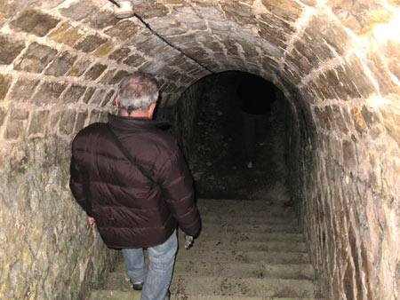 Fort-Benoit_25-escalier-conduisant-aux-postes-d'artillerie-450.jpg