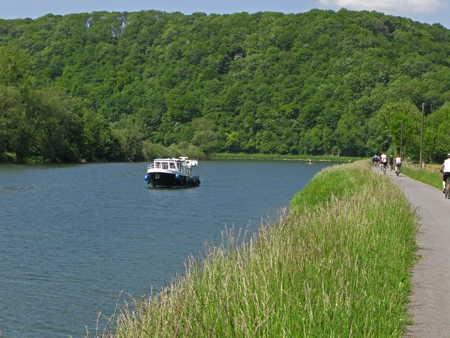 navigation sur le Doubs2.jpg
