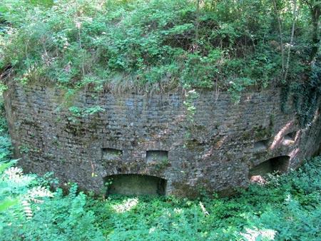 Fort-Benoit-caponnière-double-extérieur_01-450.jpg