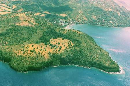 Martinique_andésite_diapo_01_Morne Champagne-1.jpg