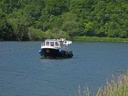 navigation sur le Doubs.jpg