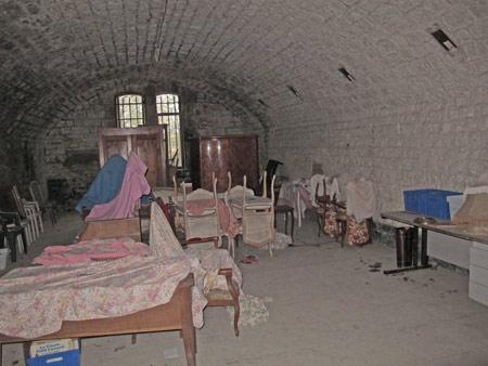 Fort-Benoit_09-l'un-des-dortoirs-450.jpg